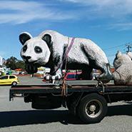Greens_Hiab_service_moving_panda