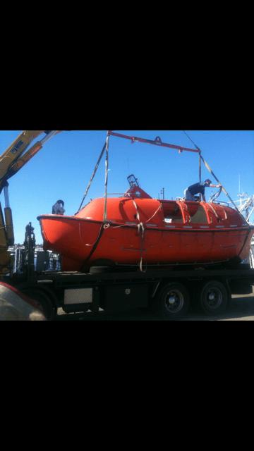greens_hiab_lifting_boat_perth