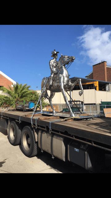 greens_hiab_moving_statue_perth